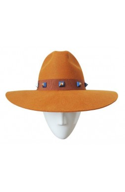 WIDE BRIM WITH STUDS