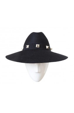 ASYMMETRIC BRIM WITH STUDS
